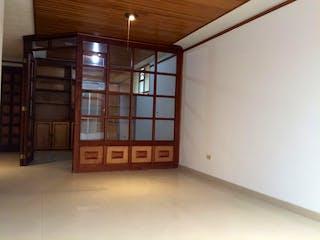 Una habitación que tiene una ventana en ella en Apartamento en venta en Santa Bárbara Central de dos habitaciones