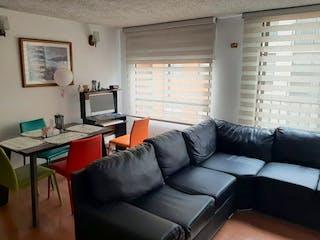Una sala de estar llena de muebles y una ventana en Apartamento en venta en Tuna Alta de 3 Habitaciones