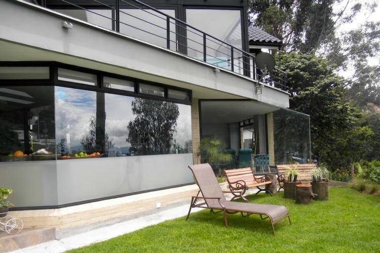 Casa En Bogota Altos De Bella Suiza Con Jardines Y Terrazas