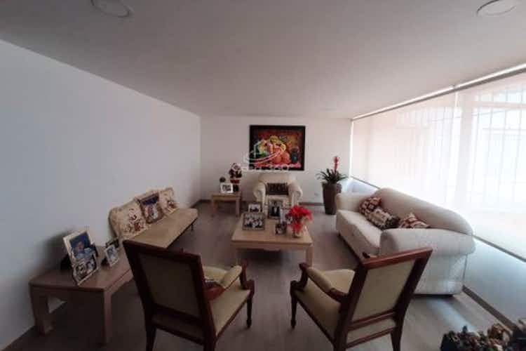 Portada Casa en venta en Barrio Niza, 360mt de dos niveles