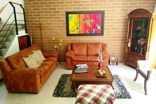 Casa en venta en Loma De Los Parra de 3 alcobas