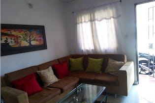 Casa en venta en Loma De Los Bernal de 3 hab.