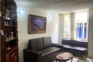 Casa en venta en Soacha, 48mt de tres niveles