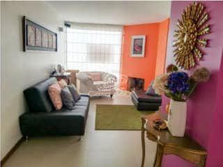 Una sala de estar llena de muebles y una planta en maceta en Apartamento en venta en Sotavento, 122mt con balcon