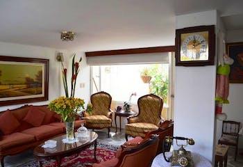 Casa En Venta En Bogota-Cedro Salazar, cuenta con tres alcobas.