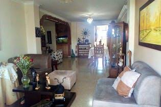 Apartamento en venta en Laureles de 3 alcobas