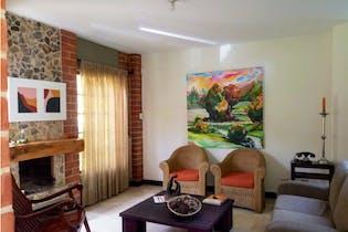 Casa en venta en Sabaneta de 4 alcobas