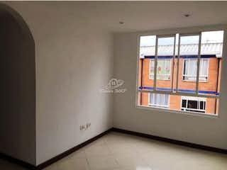 Un baño con una ventana y una ventana en Apartamento en venta en San Antonio Norte, 50mt