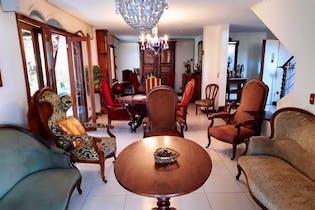 Casa en venta en Loma De Los Parra de 4 alcobas