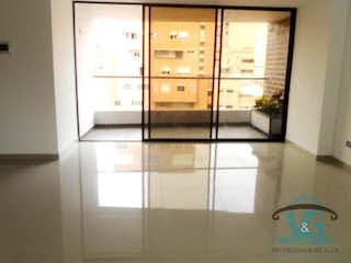 Una vista de una habitación con una puerta de cristal en Transparenza