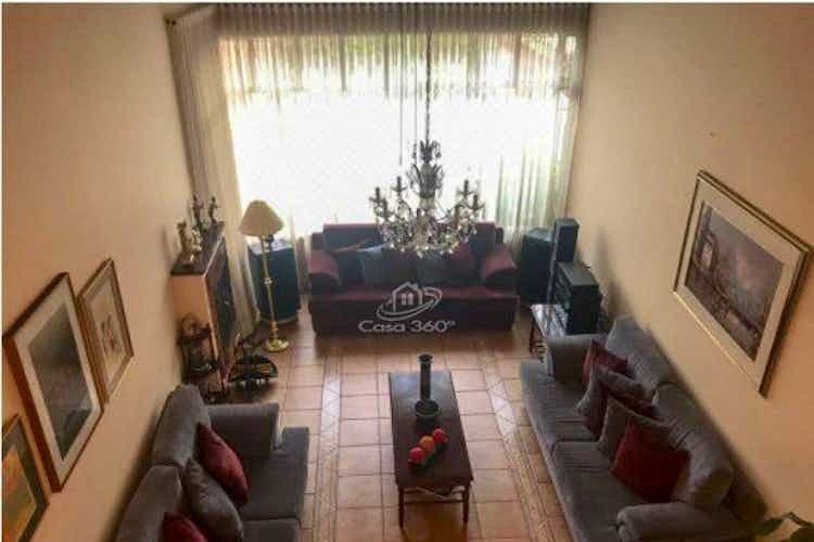 Portada Casa en venta en La Alhambra, 291mt de dos niveles