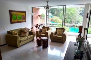 Apartamento en venta en Loma Del Escobero de 4 hab. con Zonas húmedas...