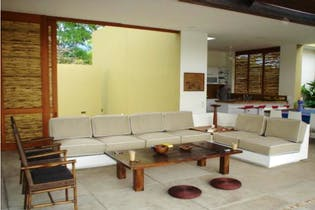 Casa en venta en Anapoima con Piscina...