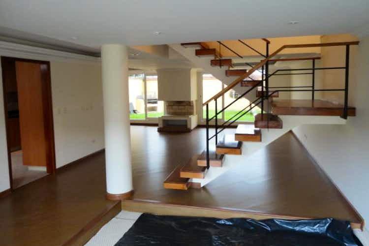 Portada Casa en venta en Chía, 239mt de tres niveles