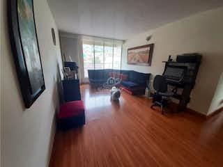 Una sala de estar llena de muebles y una televisión de pantalla plana en Apartamento en venta en Lijacá de tres habitaciones