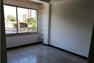 Apartamento en venta en La Floresta de 92m²