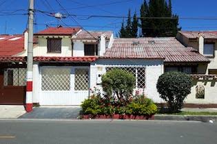 Casa en venta en Villa Del Prado de 4 hab.