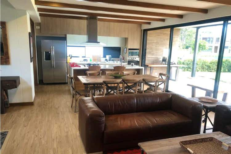 Portada Casa en venta en Tres Puertas, 530mt de dos niveles