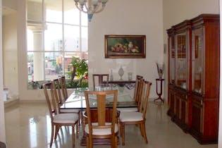 Casa en venta en Colinas Del Bosque de 4 hab. con Bbq...
