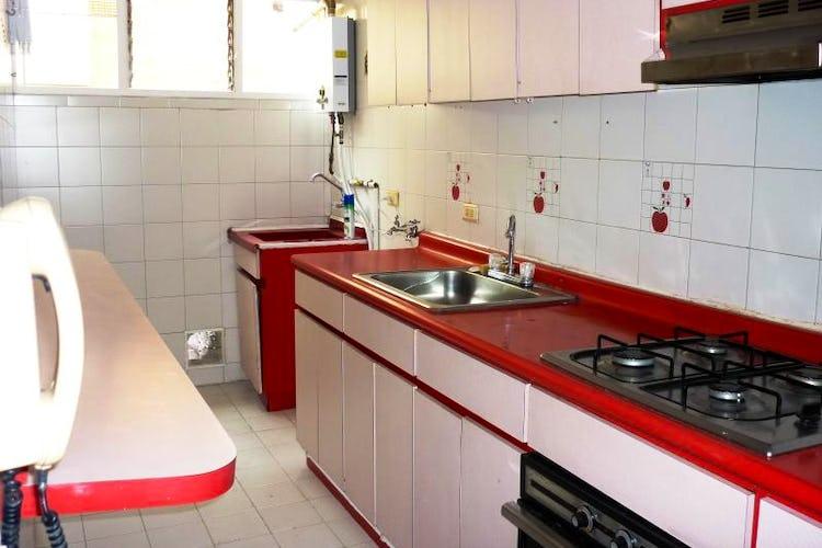Foto 2 de Apartamento En Bogota - Cedritos, cuenta con dos habitaciones