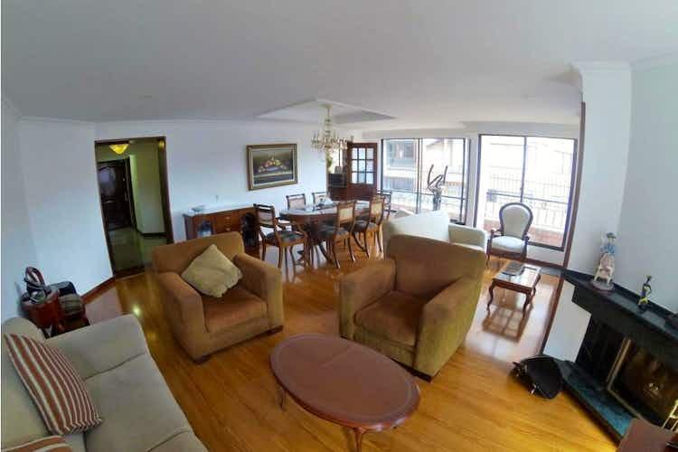 Portada Apartamento en venta en La Calleja de 4 habitaciones