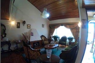 Casa en venta en Colina Campestre, 243m² con Jardín...