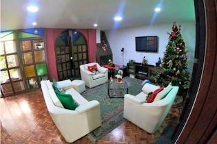 Casa en venta en Quinta Paredes con Jardín...