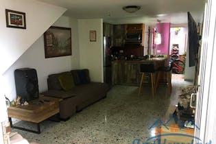 Casa en venta en Sabaneta de 3 alcobas