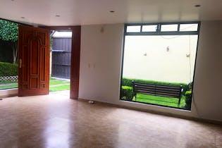 Casa en venta en Ampliación Tepepan con acceso a Jardín