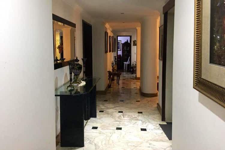 Portada Apartamento en venta en Barrio La Carolina de tres alcobas
