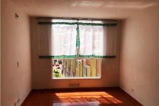 Apartamento en venta en Casco Urbano Soacha de 56m²