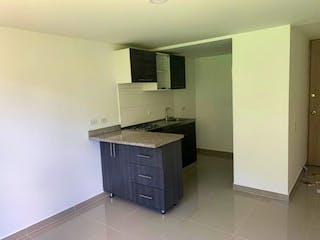 Una cocina que tiene un fregadero en ella en Apartamento en venta en La Milagrosa de dos habitaciones