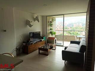 Una sala de estar llena de muebles y una televisión de pantalla plana en Alcalá de Henares