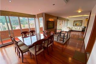 Apartamento en venta en La Carolina 180m² con Gimnasio...