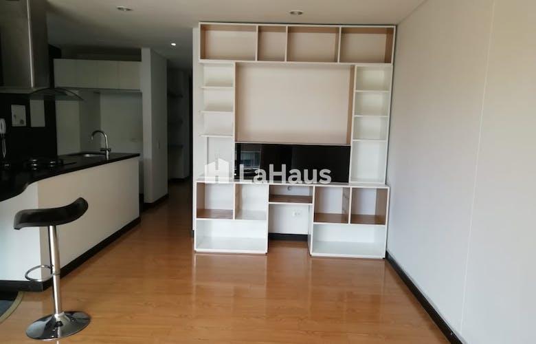 Portada Apartamento con Balcón en Rosales de 73m2