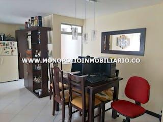 Una imagen de una habitación con una mesa y sillas en PORTAL DE ALAMEDA 2 404