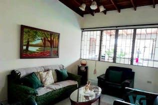 Casa en venta en Los Almendros de 223m²