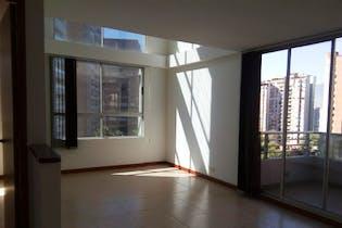 Apartamento en venta en Carlos E. Restrepo de cinco habitaciones