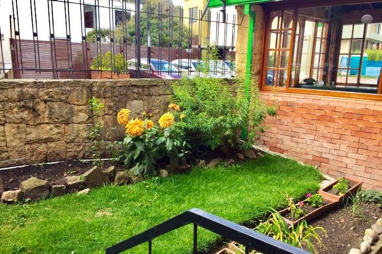 Foto 3 de Casa En Venta En Bogota Bosque De Pinos, con dos garajes Independientes y depósito.