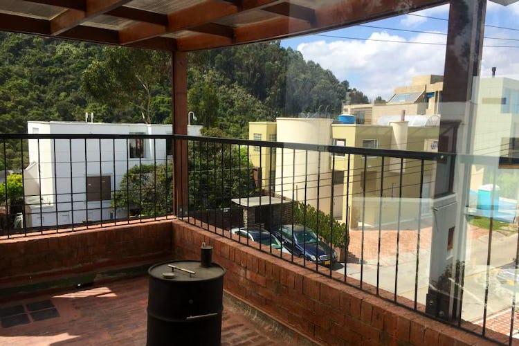 Foto 6 de Casa En Venta En Bogota Bosque De Pinos, con dos garajes Independientes y depósito.