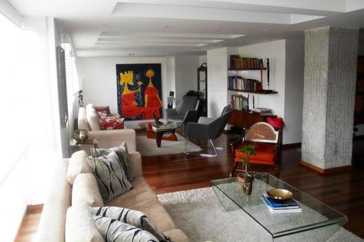 Foto 1 de Apartamento en Bogota Rosales - dúplex, con tres alcobas