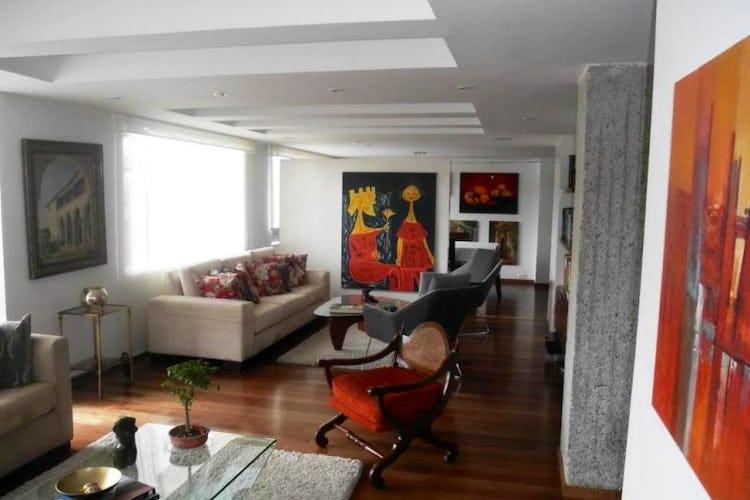 Foto 2 de Apartamento en Bogota Rosales - dúplex, con tres alcobas