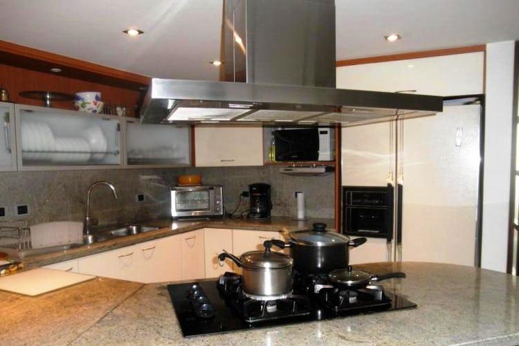 Foto 7 de Apartamento en Bogota Rosales - dúplex, con tres alcobas