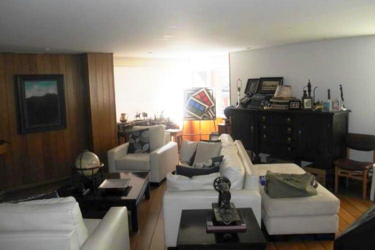 Foto 11 de Apartamento en Bogota Rosales - dúplex, con tres alcobas