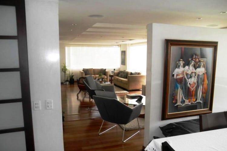 Foto 21 de Apartamento en Bogota Rosales - dúplex, con tres alcobas