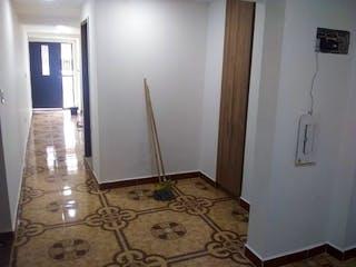Un cuarto de baño con un inodoro de ducha y lavabo en Apartamento en venta en Fátima de dos alcobas