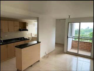Una cocina con un fregadero, una estufa y una ventana en Apartamento en venta en Norteamérica, de 63mtrs2