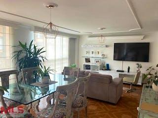 Una sala de estar llena de muebles y una televisión de pantalla plana en San Francisco