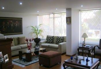 Casa en venta en Barrio Niza con acceso a Jardín