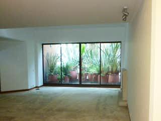 Una vista de un pasillo desde un pasillo en Apartamento en venta en Bosque Medina, de 460mtrs2 con terraza